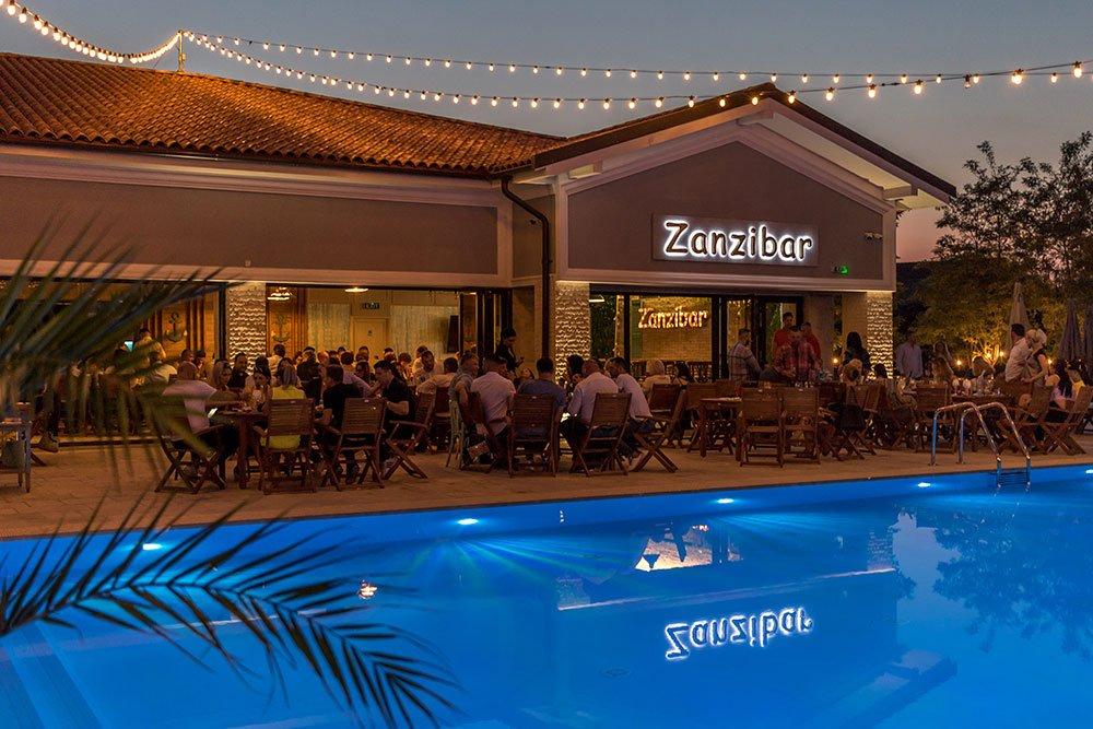 zanzibar-restaurant-piscina